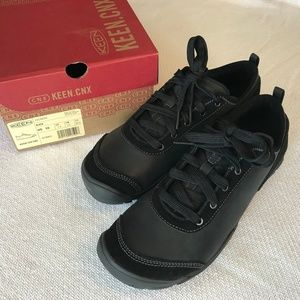 NWT KEEN Hush Leather CNX, Black, 10